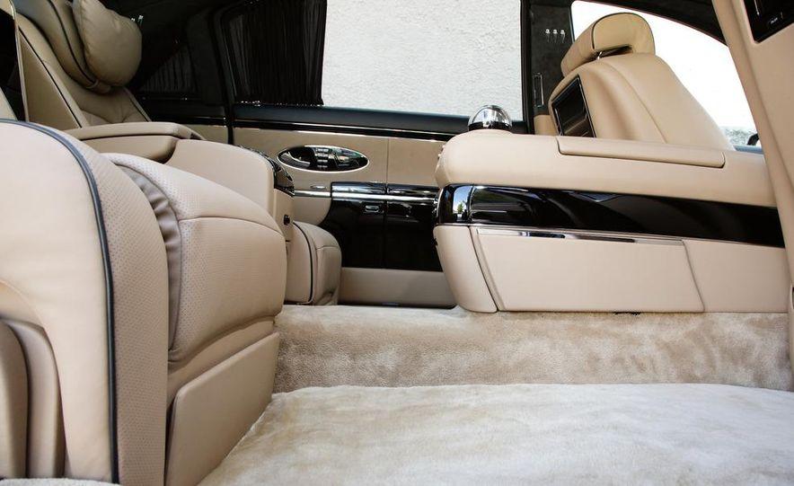 2012 Aston Martin V-8 Vantage S coupe - Slide 28
