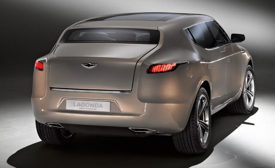2012 Aston Martin V-8 Vantage S coupe - Slide 15