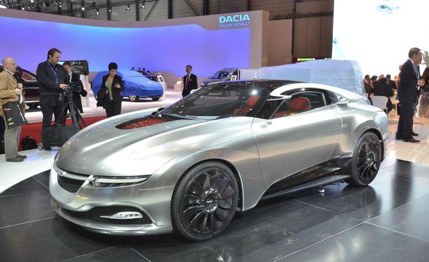 Saab PhoeniX concept - Slide 1