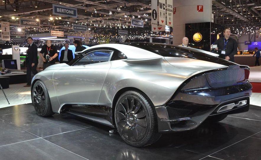 Saab PhoeniX concept - Slide 2