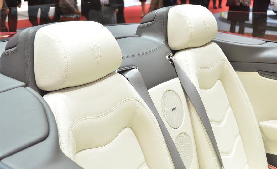 2012 Maserati GranTurismo Convertible Sport interior - Slide 8