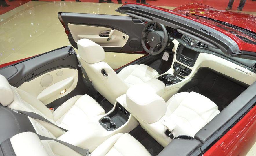 2012 Maserati GranTurismo Convertible Sport interior - Slide 9