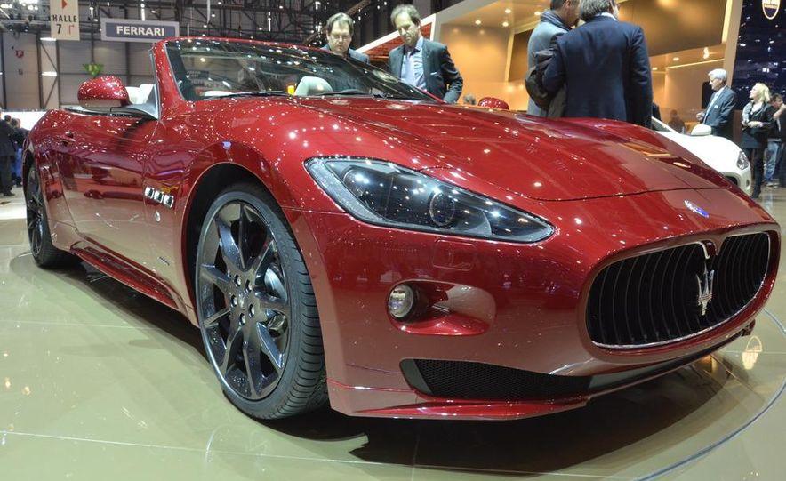 2012 Maserati GranTurismo Convertible Sport interior - Slide 12