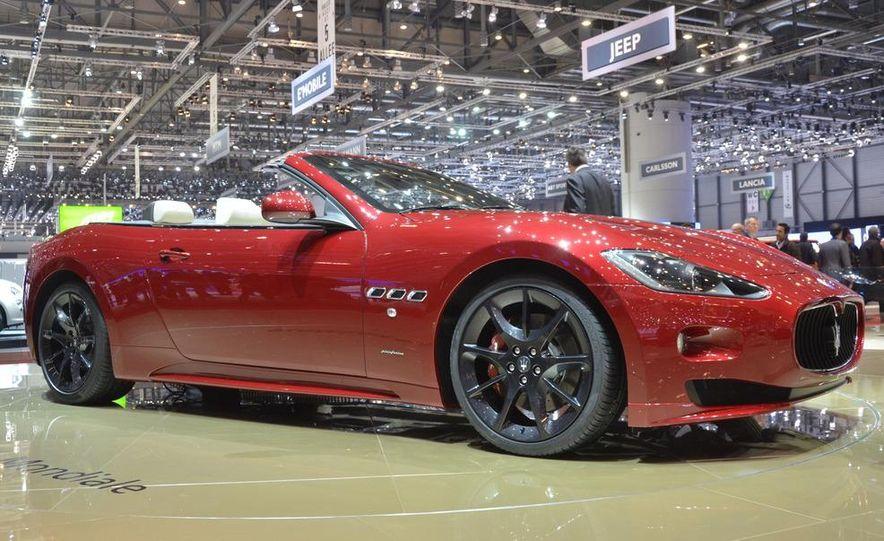 2012 Maserati GranTurismo Convertible Sport interior - Slide 21