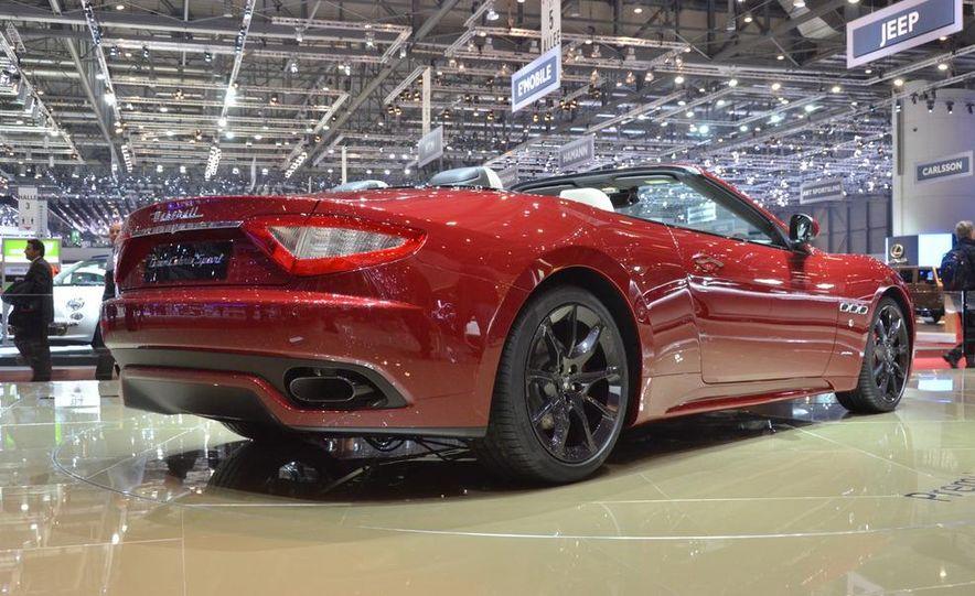 2012 Maserati GranTurismo Convertible Sport interior - Slide 18