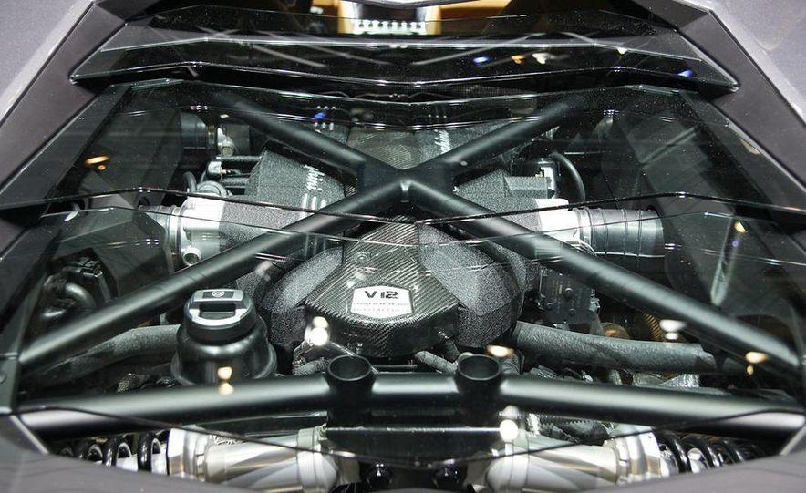 2012 Lamborghini Aventador LP700-4 - Slide 40
