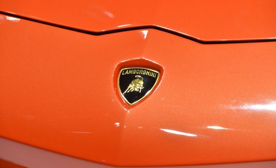 2012 Lamborghini Aventador LP700-4 - Slide 22