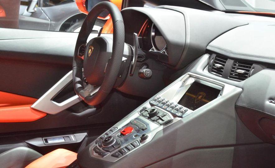 2012 Lamborghini Aventador LP700-4 - Slide 32