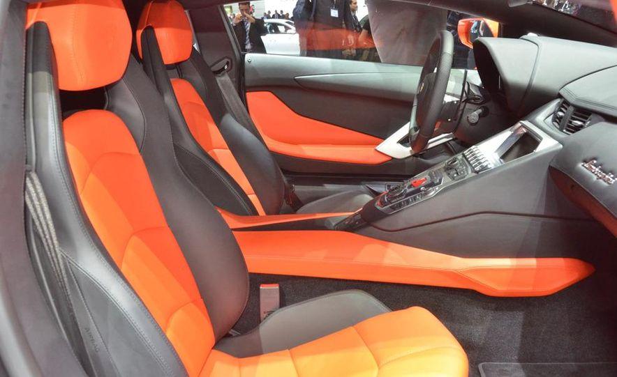 2012 Lamborghini Aventador LP700-4 - Slide 33