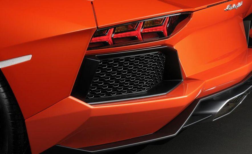 2012 Lamborghini Aventador LP700-4 - Slide 58