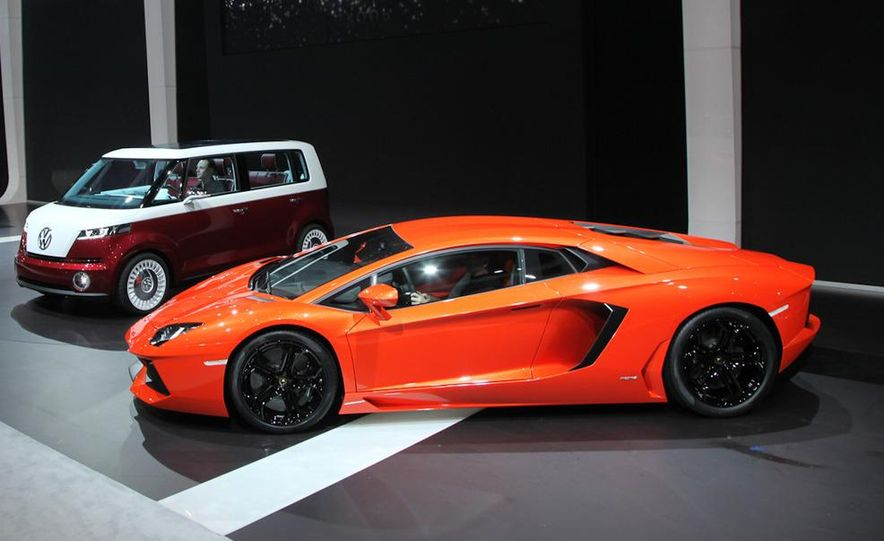 2012 Lamborghini Aventador LP700-4 - Slide 2