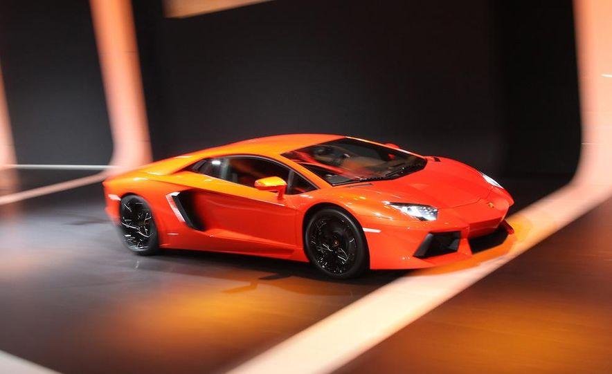 2012 Lamborghini Aventador LP700-4 - Slide 3