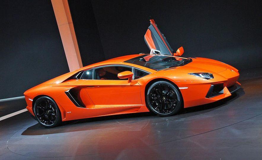 2012 Lamborghini Aventador LP700-4 - Slide 11