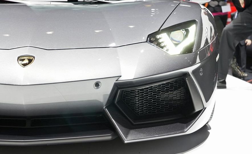 2012 Lamborghini Aventador LP700-4 - Slide 38