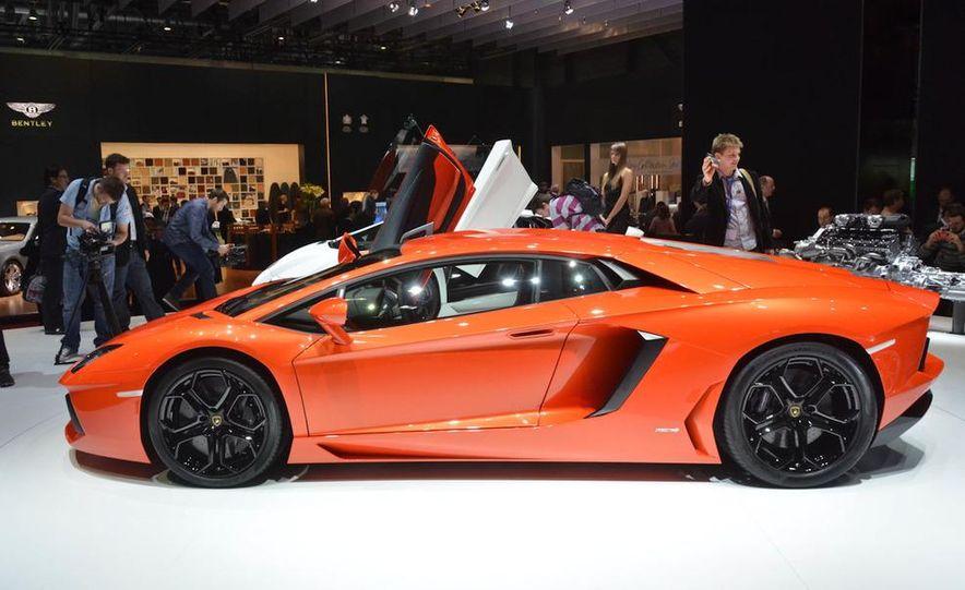 2012 Lamborghini Aventador LP700-4 - Slide 18