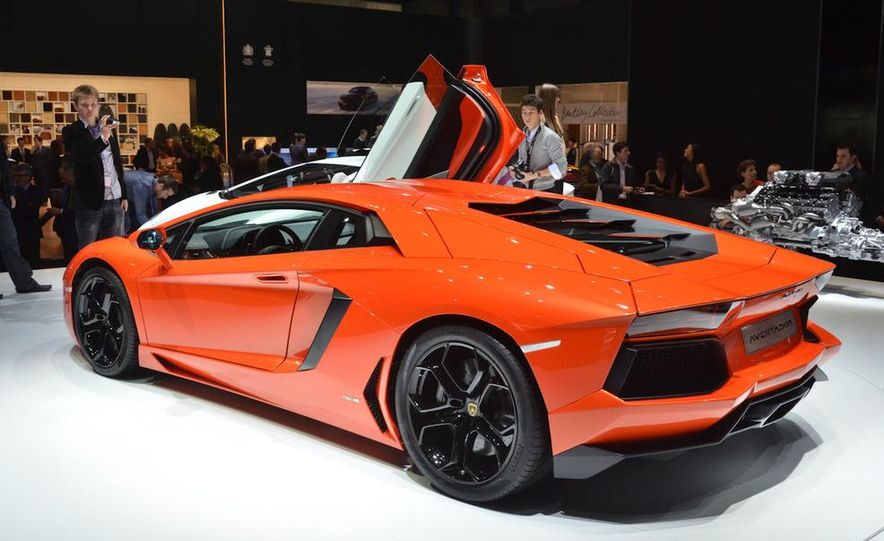 2012 Lamborghini Aventador LP700-4 - Slide 19
