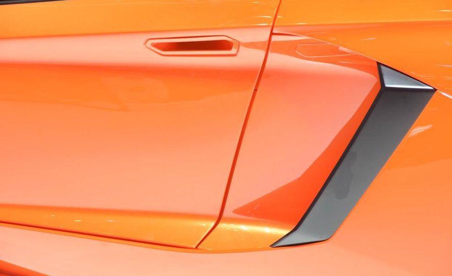 2012 Lamborghini Aventador LP700-4 - Slide 25