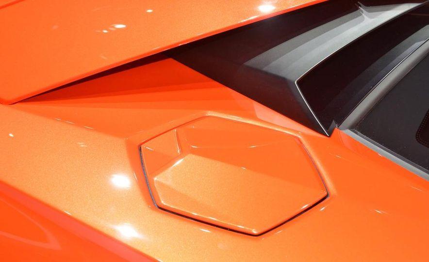 2012 Lamborghini Aventador LP700-4 - Slide 30