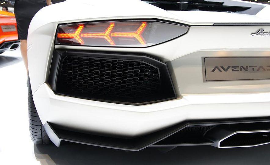 2012 Lamborghini Aventador LP700-4 - Slide 46