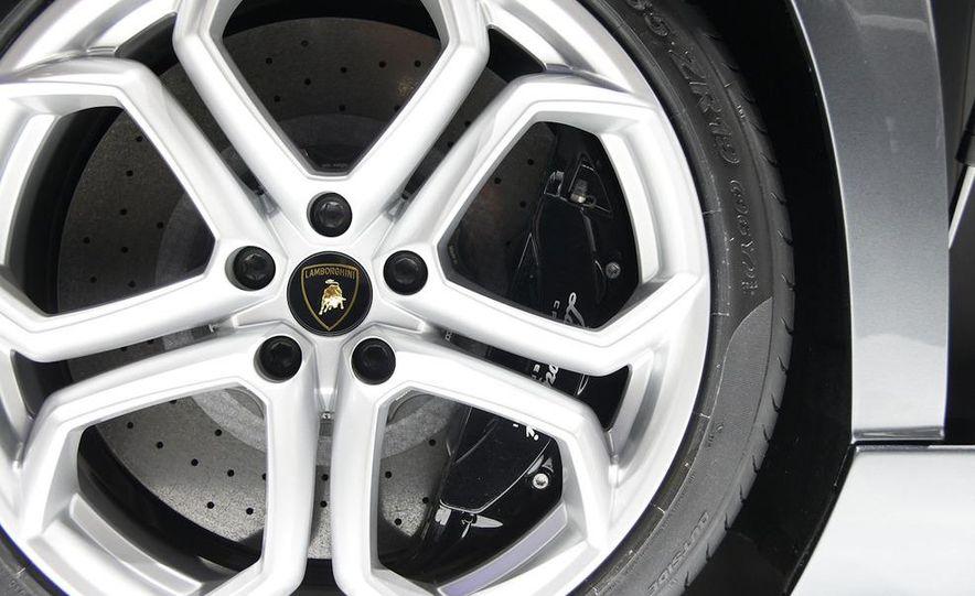2012 Lamborghini Aventador LP700-4 - Slide 42