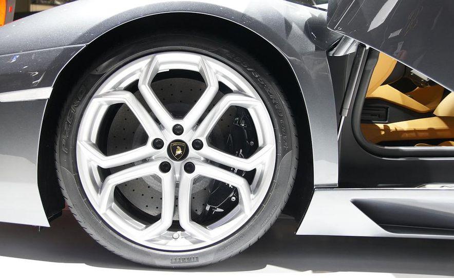 2012 Lamborghini Aventador LP700-4 - Slide 43