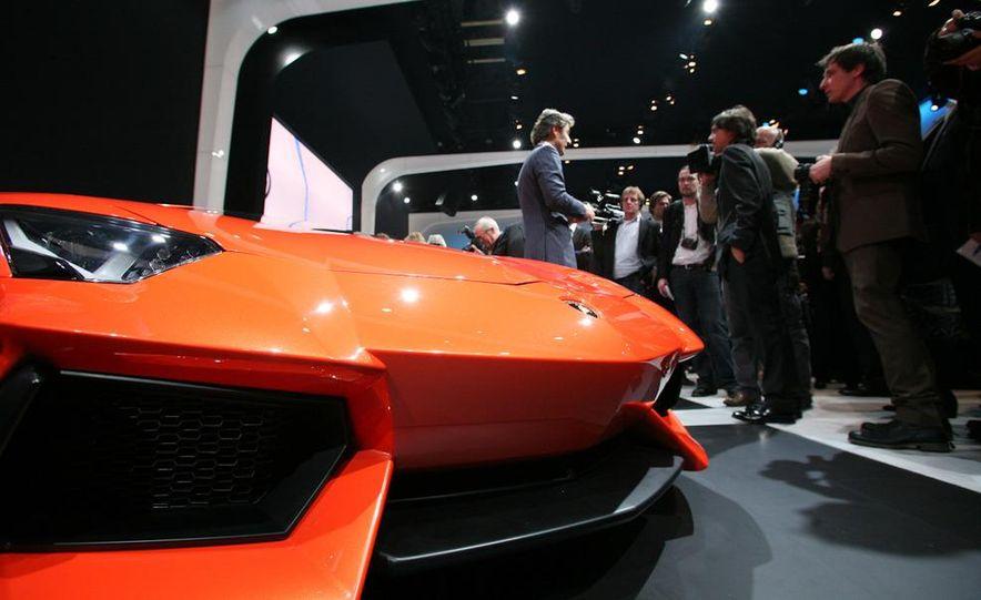 2012 Lamborghini Aventador LP700-4 - Slide 5