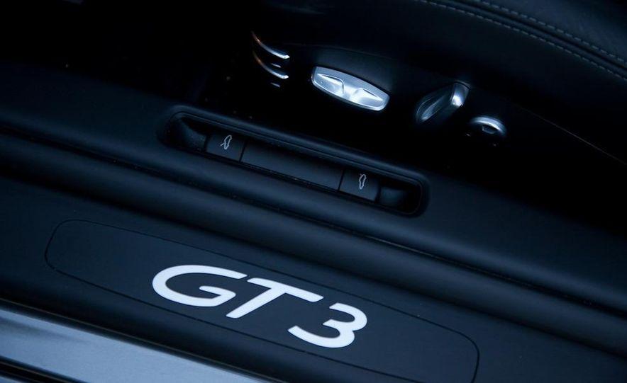 2010 Porsche 911 GT3 - Slide 15