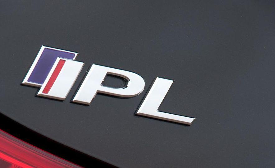 2011 Infiniti IPL G coupe - Slide 13