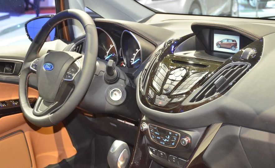 Ford B-Max concept - Slide 17