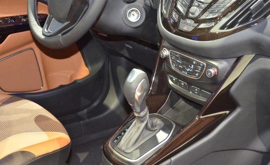 Ford B-Max concept - Slide 18
