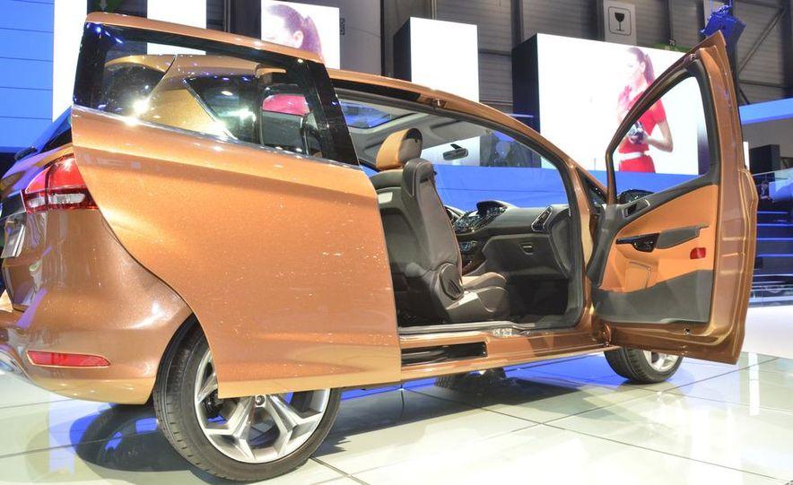 Ford B-Max concept - Slide 10