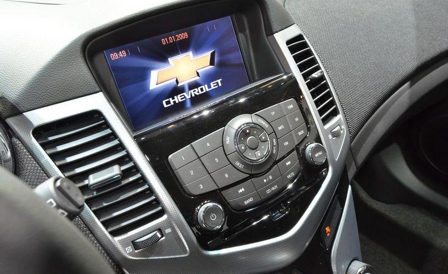2012 Chevrolet Cruze hatchback - Slide 17