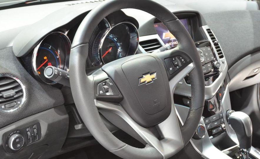 2012 Chevrolet Cruze hatchback - Slide 18