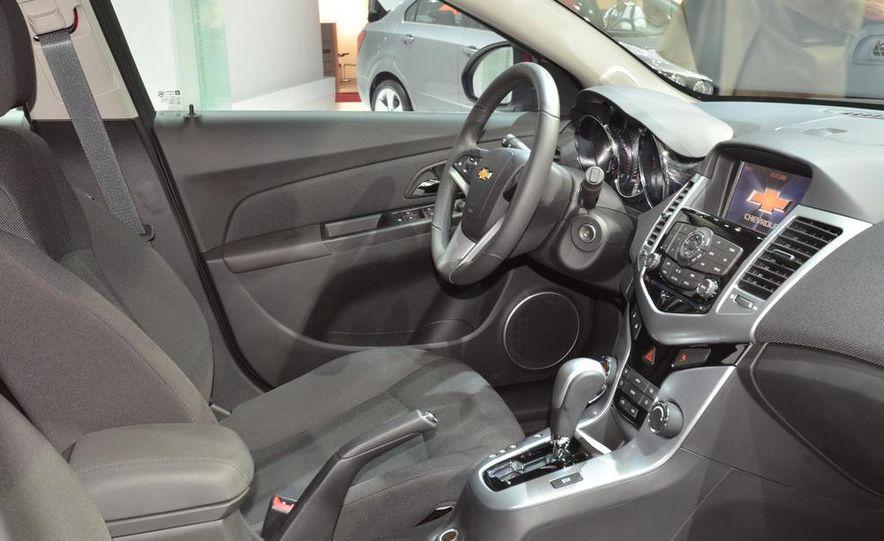 2012 Chevrolet Cruze hatchback - Slide 19