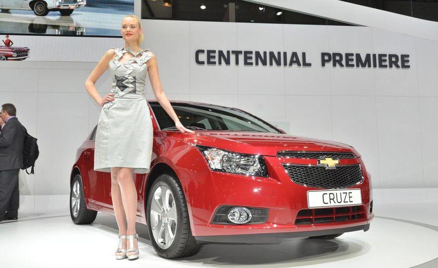 2012 Chevrolet Cruze hatchback - Slide 1