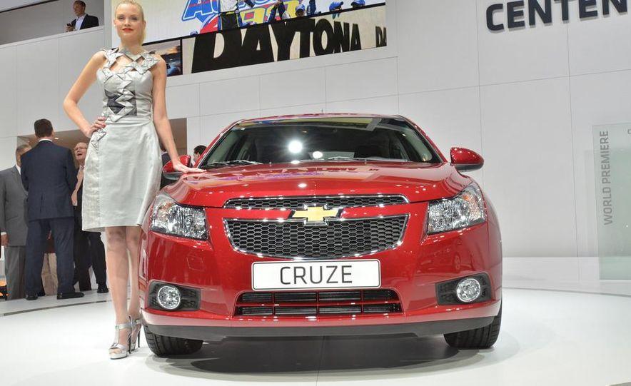 2012 Chevrolet Cruze hatchback - Slide 2