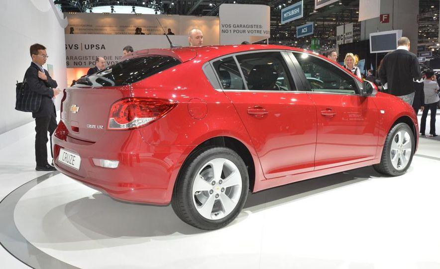 2012 Chevrolet Cruze hatchback - Slide 3