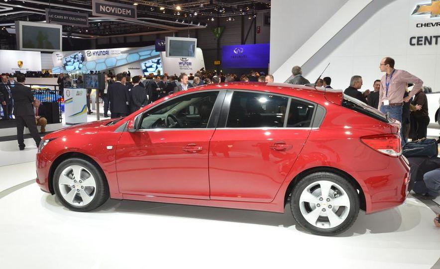 2012 Chevrolet Cruze hatchback - Slide 5