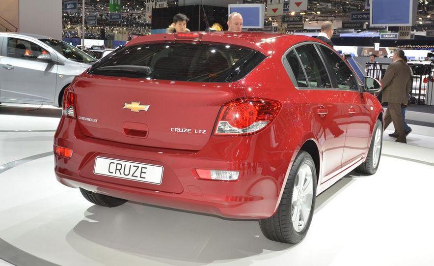 2012 Chevrolet Cruze hatchback - Slide 8