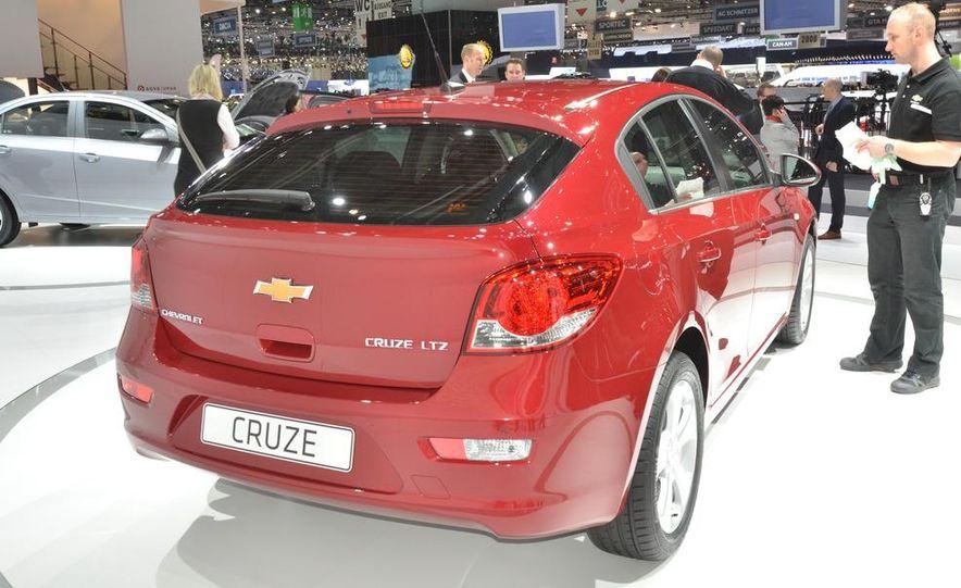 2012 Chevrolet Cruze hatchback - Slide 9