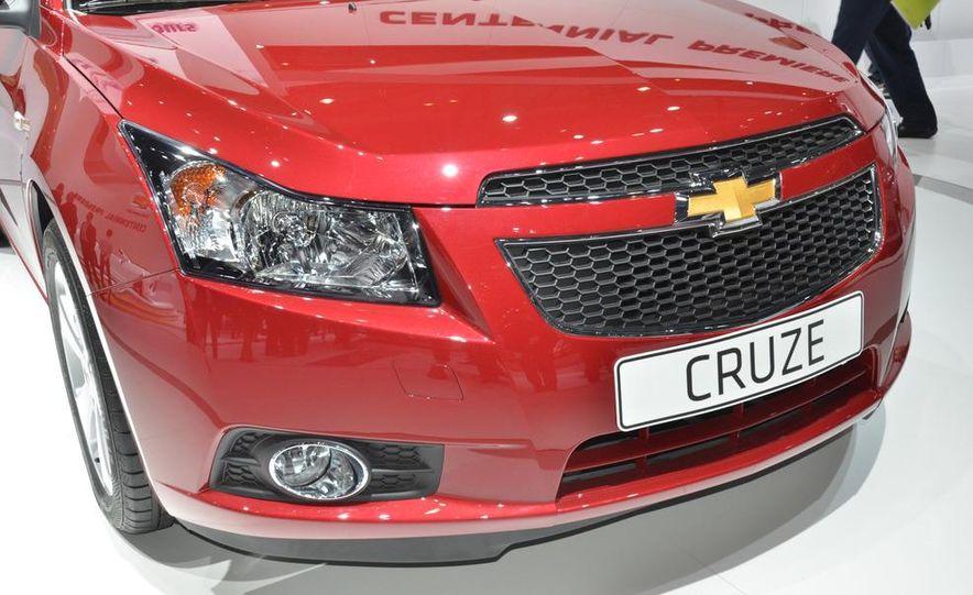 2012 Chevrolet Cruze hatchback - Slide 11
