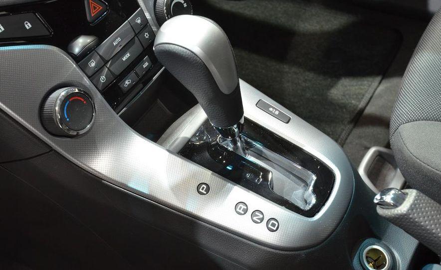 2012 Chevrolet Cruze hatchback - Slide 22