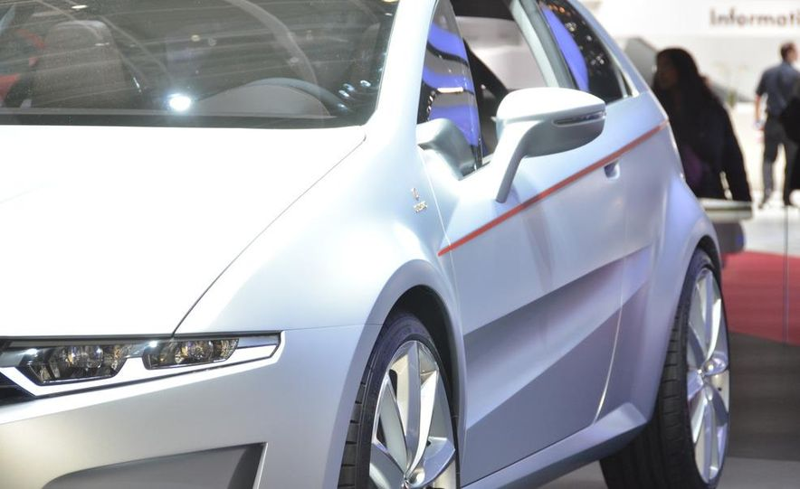 Italdesign Giugiaro / Volkswagen Tex concept - Slide 9
