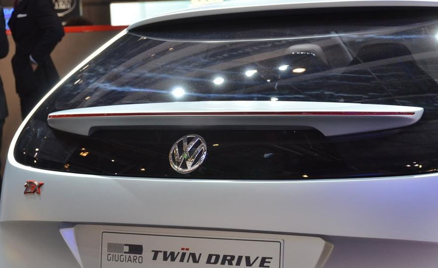 Italdesign Giugiaro / Volkswagen Tex concept - Slide 12