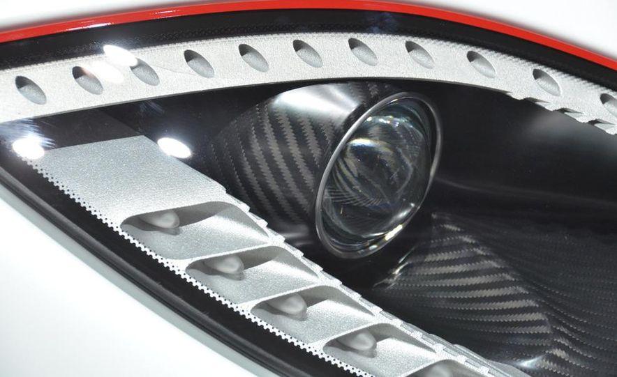 2011 Koenigsegg Agera R - Slide 30
