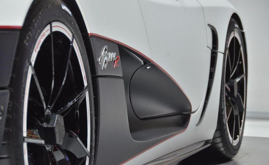 2011 Koenigsegg Agera R - Slide 12