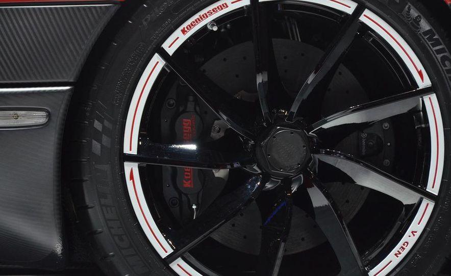 2011 Koenigsegg Agera R - Slide 16