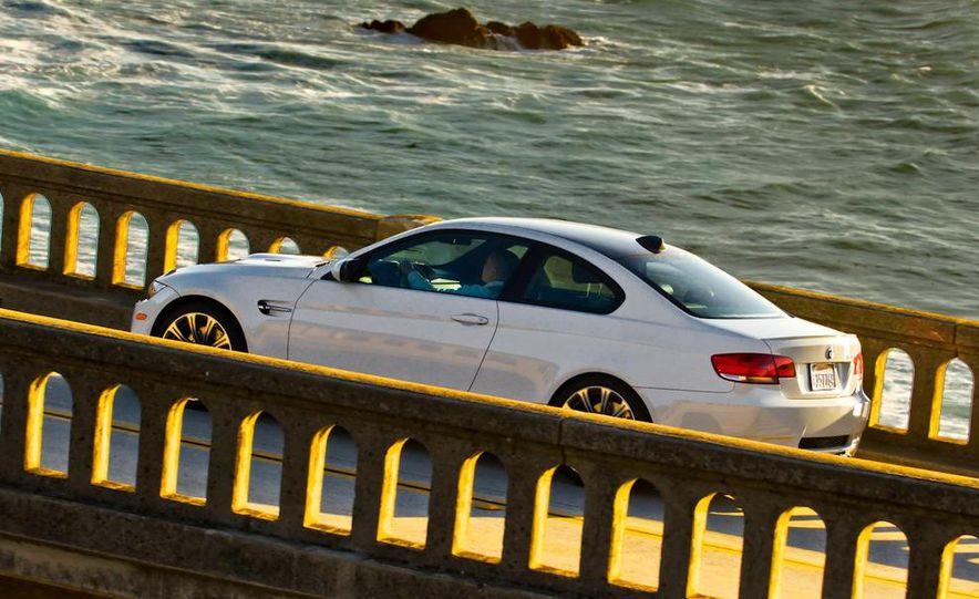 2011 BMW M3 coupe - Slide 2