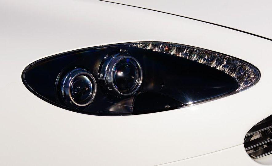 2012 Aston Martin Vantage S Volante and coupe - Slide 99