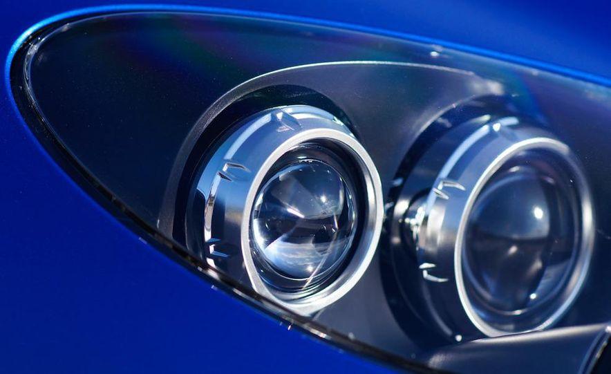 2012 Aston Martin Vantage S Volante and coupe - Slide 79